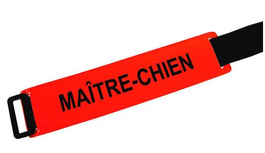 Brassard MAITRE-CHIEN fond rouge orangé texte noir
